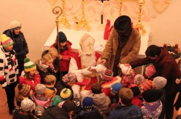 Der Nikolaus kommt ins Schloss-